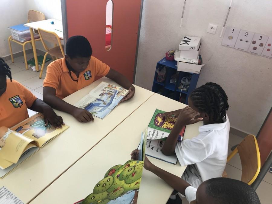 Séance de lecture à l'école Nina Duverly