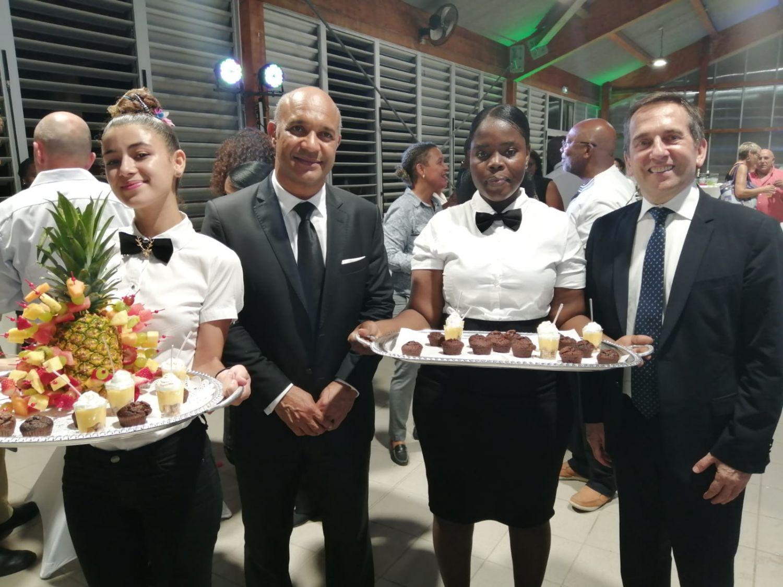 Le président Daniel GIBBS et l'IA-DAASEN Michel SANZ rendent hommage aux élèves et aux stagiaires