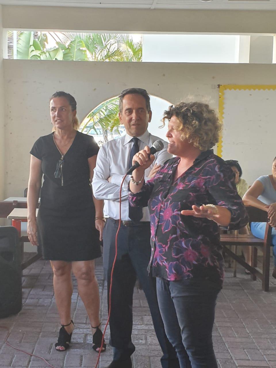 Mme RENGER CPC arts plastiques, M. SANZ IA-DAASEN, Mme MALHERBE directrice d'école