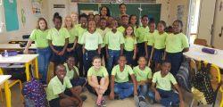 Les élèves de la CHAM accompagnés de Valérie SIOBUD, conseillère pédagogique et de Natisha HANSON, chanteuse.